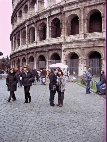 The Grazie Girl and The MamaBella in front of the Colosseum.