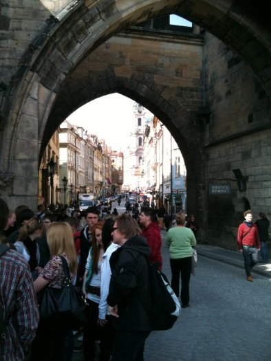 walking-tour solo traveler